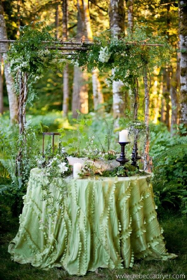 Tons de verde para a festa jardim encantado