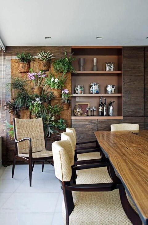 Varanda gourmet com jardim vertical em painel de fibra de coco Projeto de Eduarda Correa