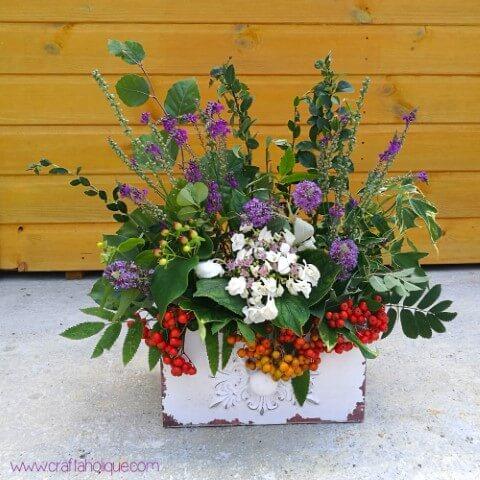 Vaso rústico com flores do campo Foto de Craftaholique