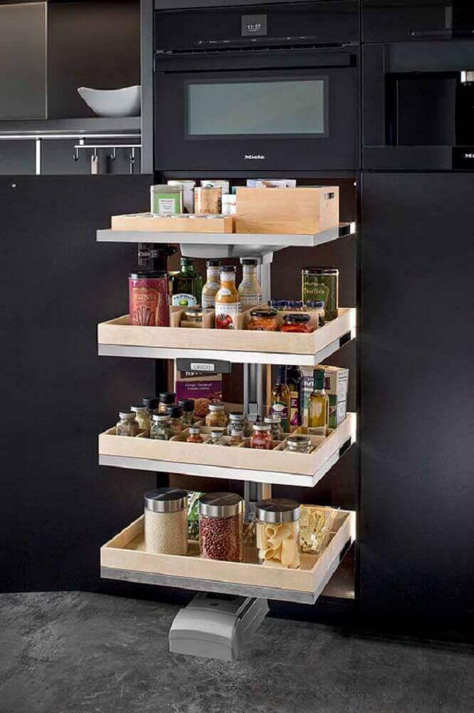 armário de cozinha planejado com divisórias para guardar mantimentos Foto Home Design