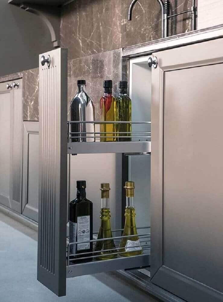 armário planejado de cozinha com espaço para guardar temperos Foto Pinterest