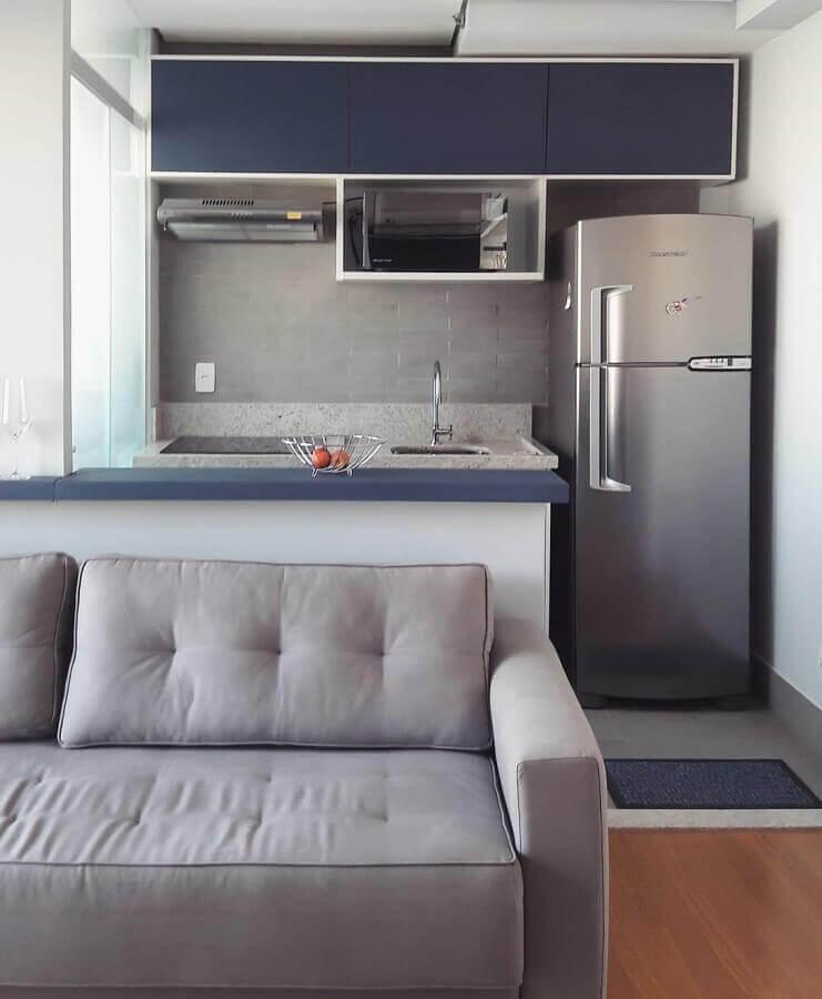 armários planejados para decoração de cozinha americana pequena com sala de estar Foto Webcomunica