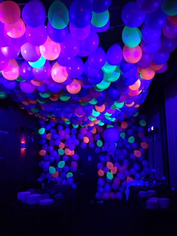 Balões para festa neon