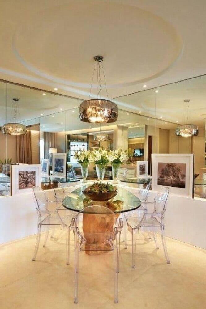 cadeiras de acrílico transparente para sala de jantar moderna Foto Quitete & Faria