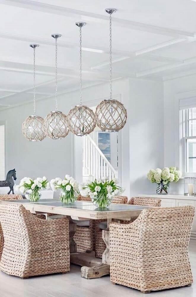 cadeiras de vime para sala de jantar moderna decorada Foto Denarius