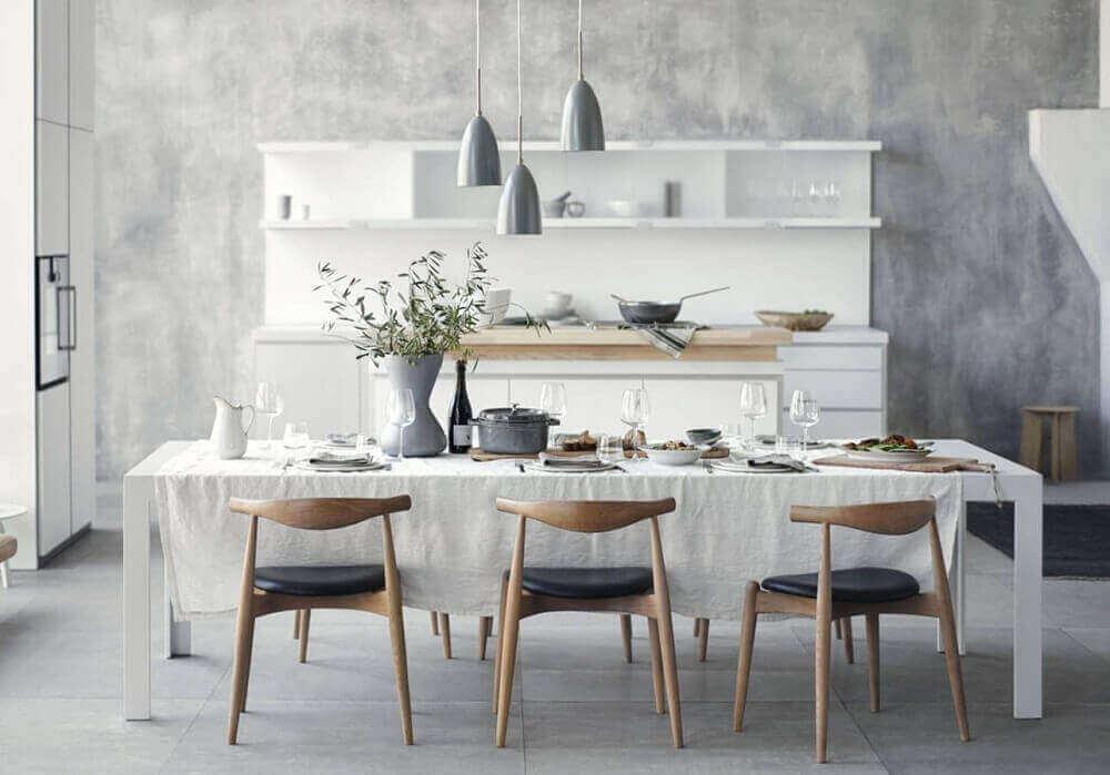 cadeiras para sala de jantar modernas decorada com pendentes cinza-Foto-Pinterest