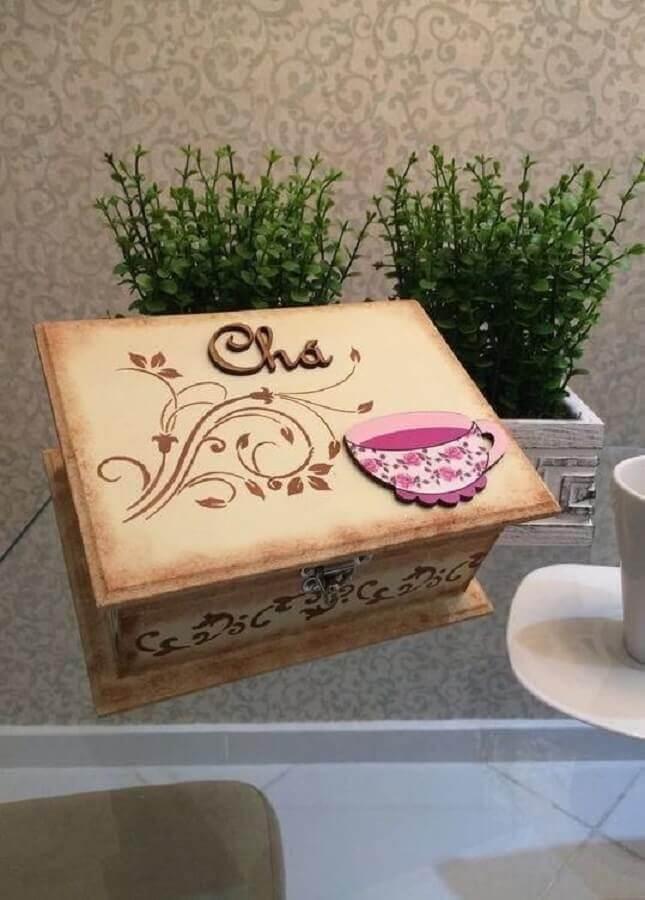 caixa de madeira decorada e personalizada para guardar chá Foto Dekoration stile