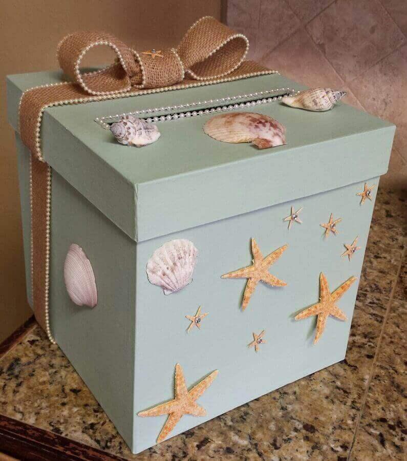 caixa de mdf decorada com conchinhas e estrelas do mar Foto Kadoka