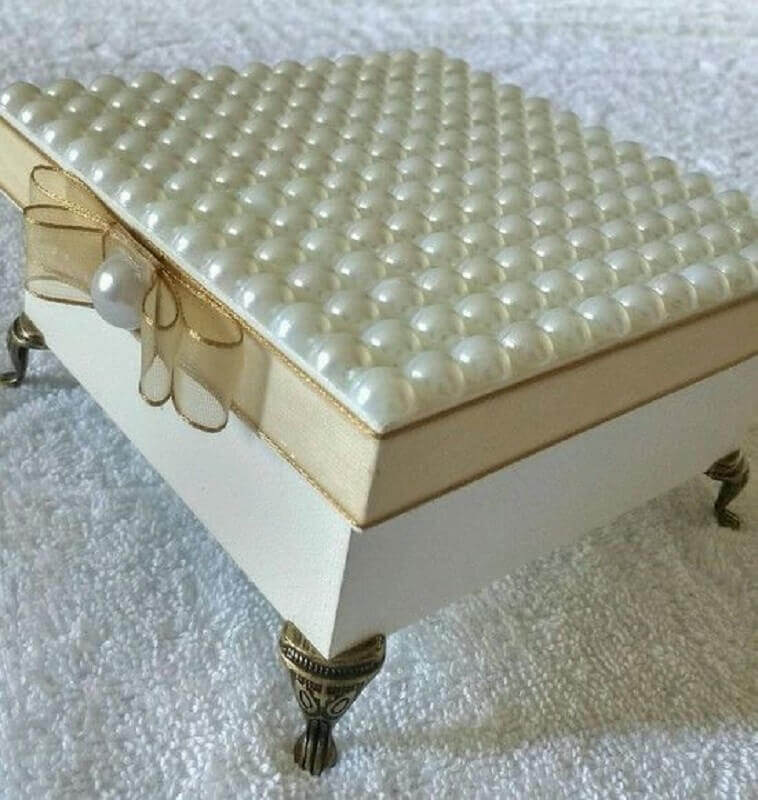 caixinha de mdf decorada com pérolas Foto Pinterest