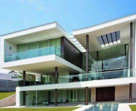 casa de vidro com fachada moderna