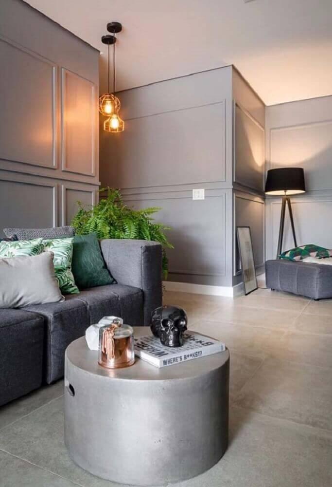 casa moderna decorada com boiserie pintado de cinza e luminária de chão Foto Pinterest
