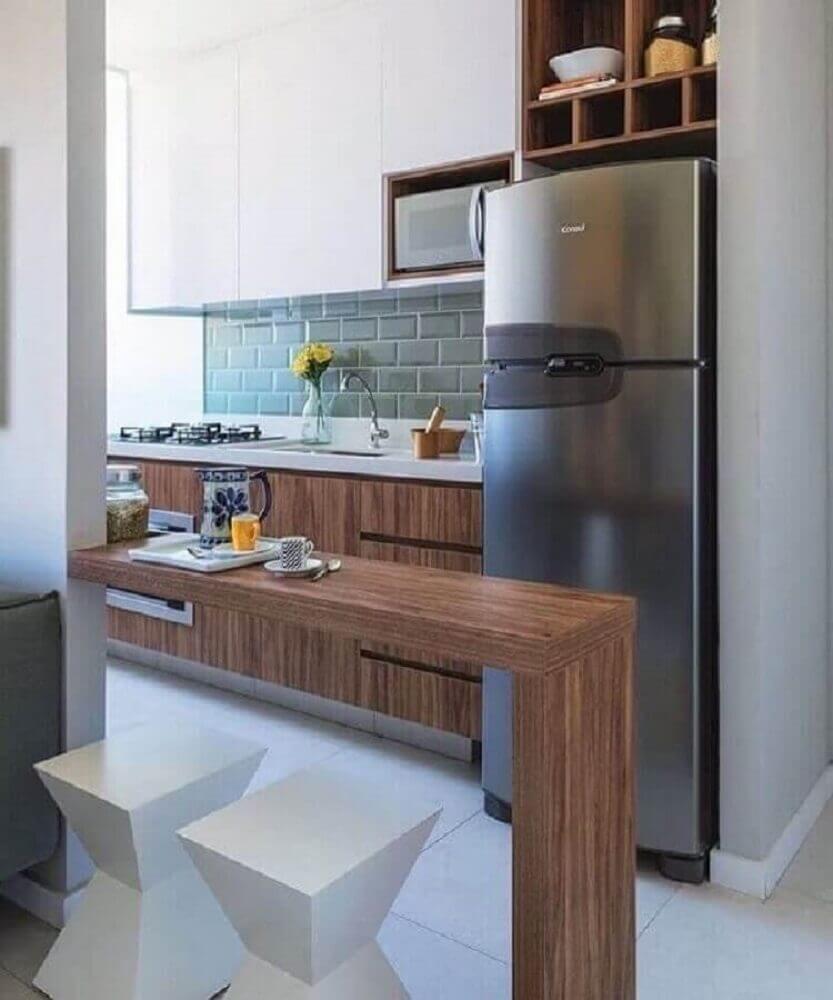 cozinha americana com sala de estar com banqueta branca Foto Pinterest