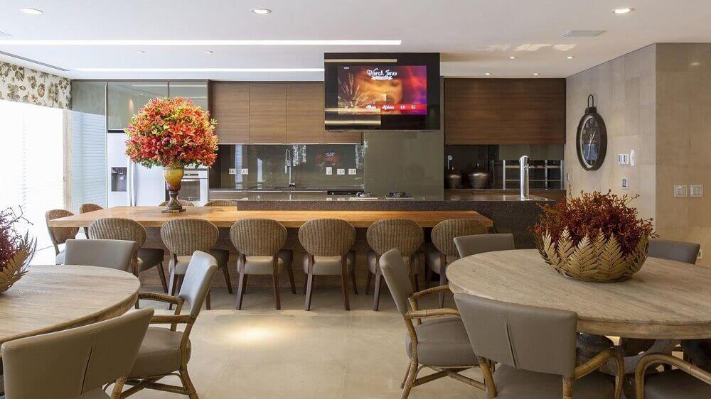 cozinha decorada ampla com armário de cozinha planejado em marcenaria Foto Jayme Bernardo Arquitetura e Design