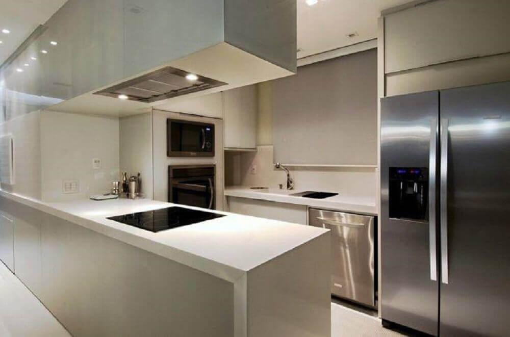 cozinha moderna decorada com armário planejado para cozinha pequena Foto Viviane Loyola