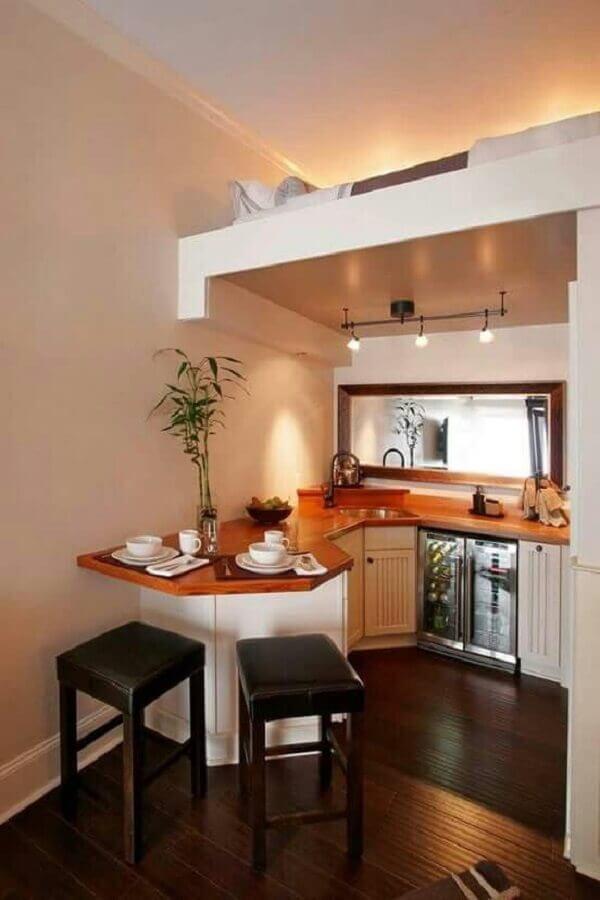 cozinha planejada para apartamento pequeno com mezanino Foto Pinterest