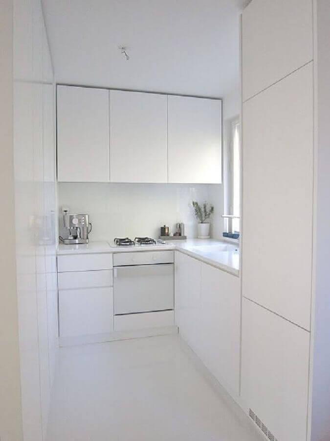 cozinha planejada pequena toda branca Foto InsideDecor
