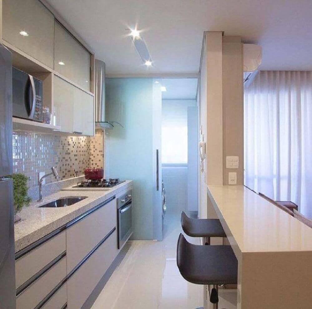 decoração clean com armário planejado para cozinha pequena Foto Mariane e Marilda Baptista Arquitetura e Interiores