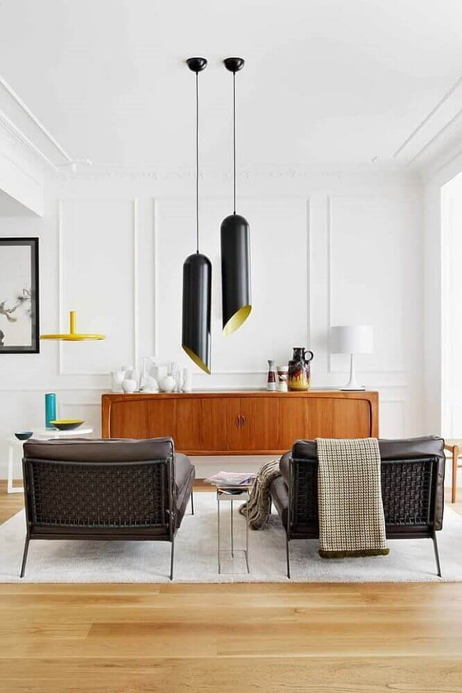 decoração clean com buffet de madeira e moldura de parede Foto DesignRulz