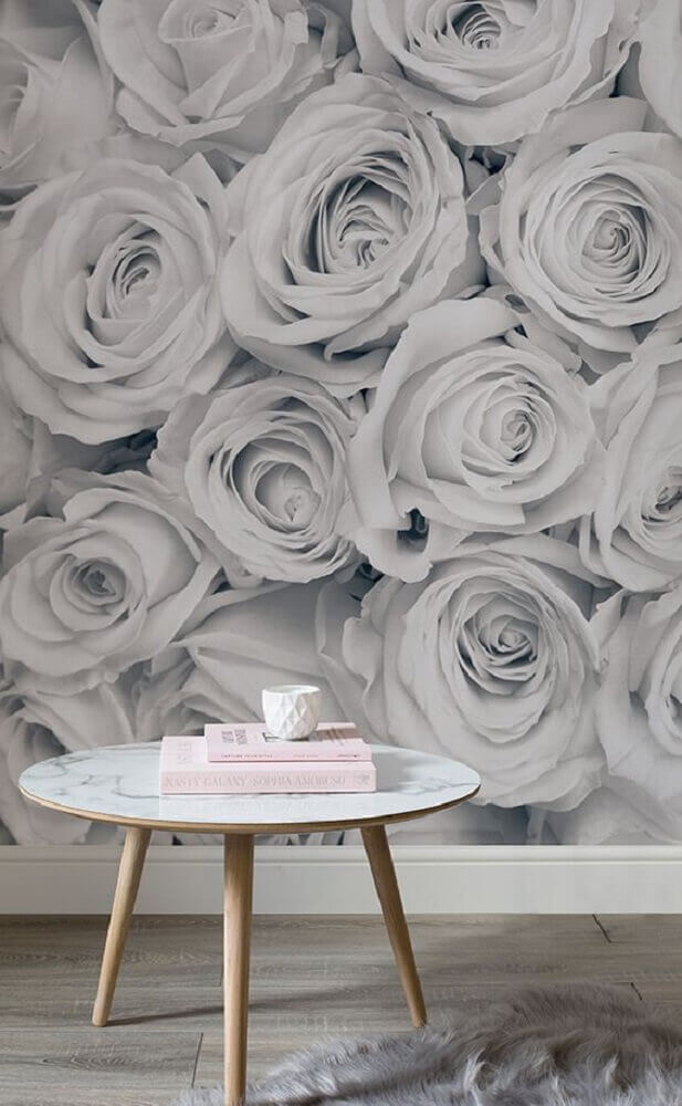 decoração clean com papel de parede de flores cinza Foto Pinterest