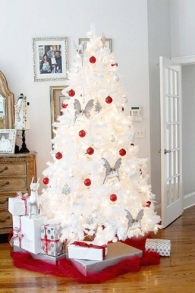 decoration with white silver and red Christmas tree Photo Duke Manor Farm