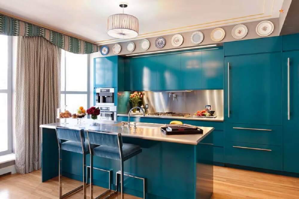 decoração com armário planejado de cozinha azul Foto Homebnc