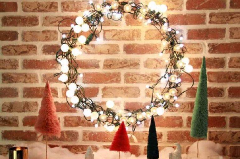 decoração com gurilanda feita com luzes de natal  Foto Fábrica9