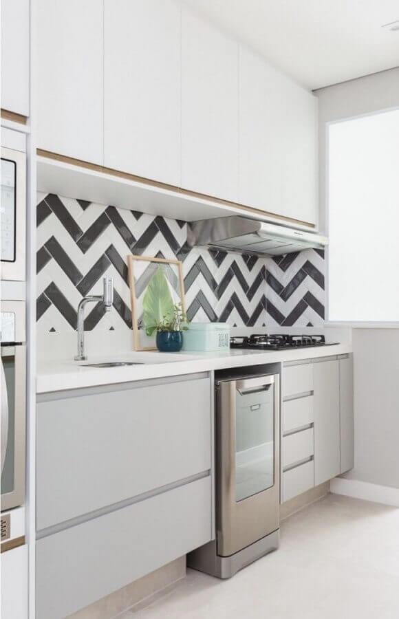 decoração com subway tile para cozinha pequena planejada Foto Pinterest