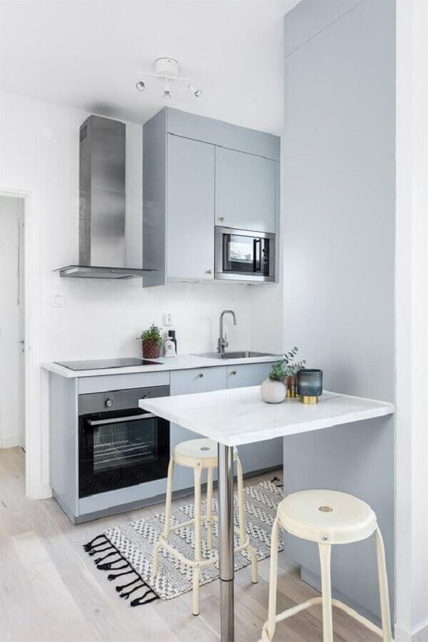 decoração com tapete para cozinha planejada pequena Foto Made With Home