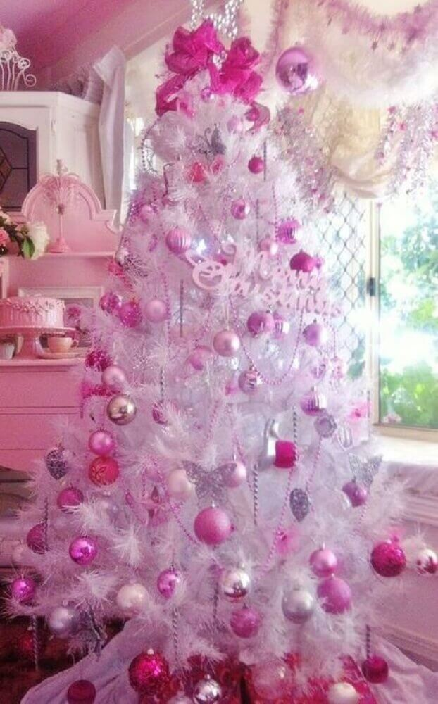 Christmas decoration with white and pink Christmas tree Foto Pinterest