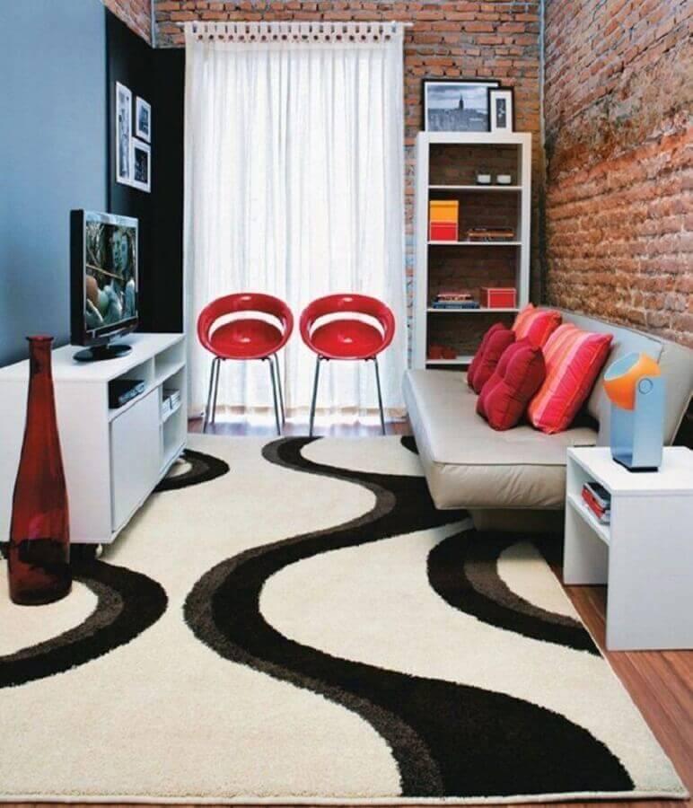 decoração de sala com parede tijolinho e sofá sem braço Foto Alan Teixeira Fotografia