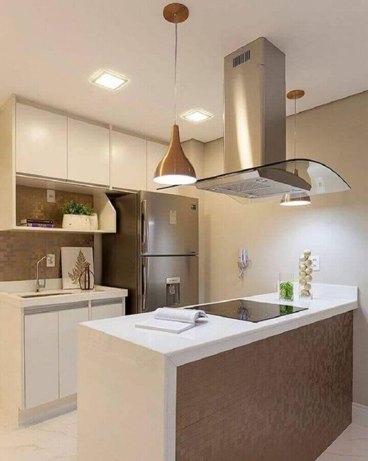 decoração em tons neutros para cozinha planejada pequena com balcão com cooktop Foto Monise Rosa Arquitetura e Interiores