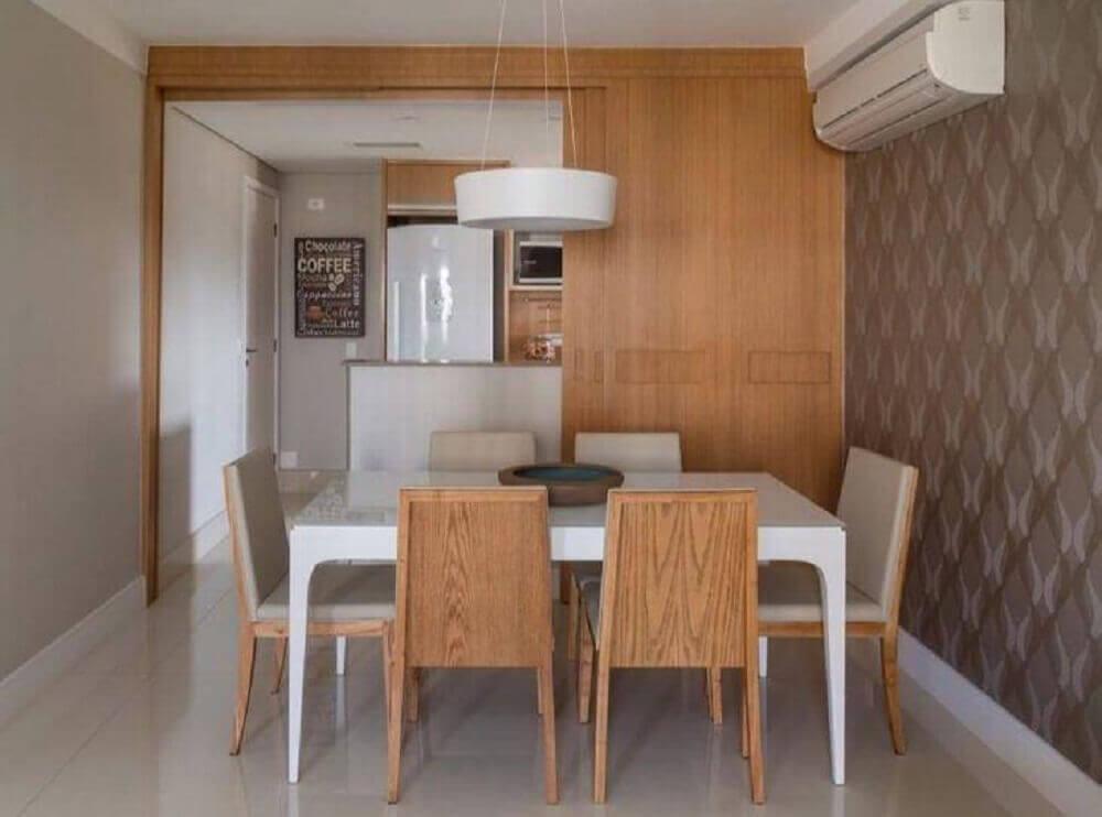decoração em tons neutros para sala de jantar moderna com papel de parede Foto Ana Yoshida