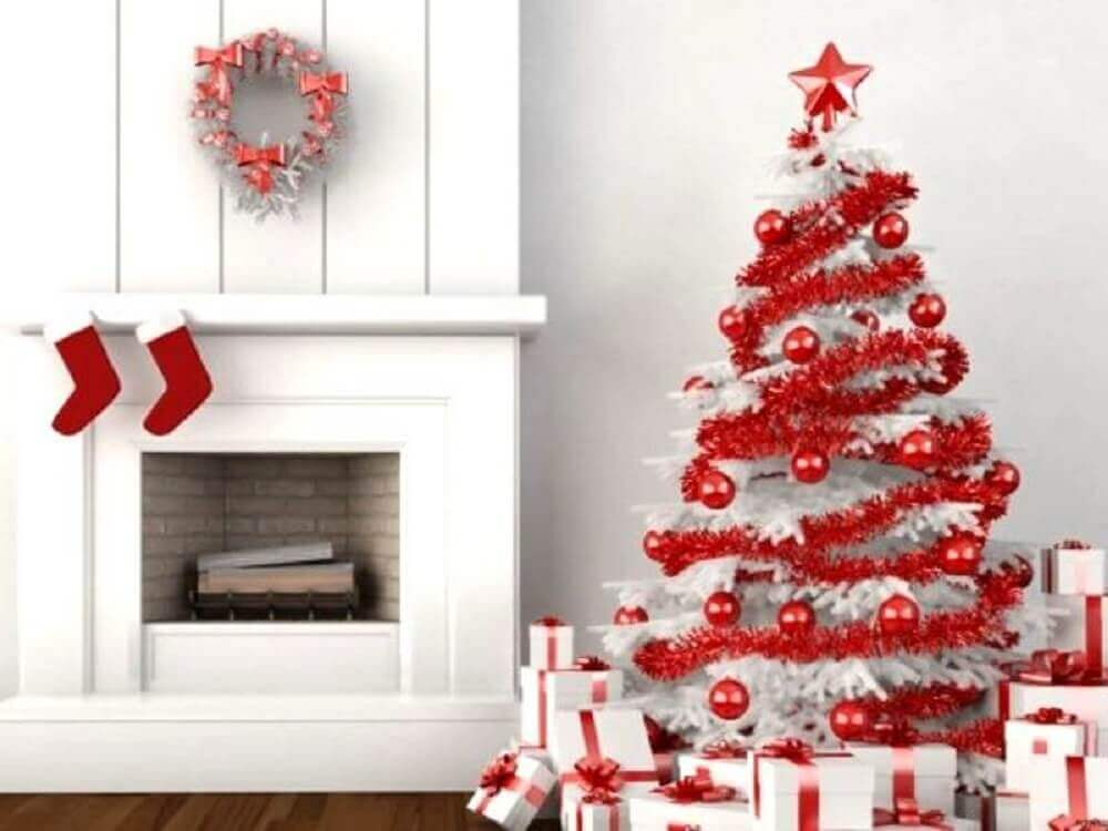Christmas decoration with white and red Christmas tree Foto Pinterest