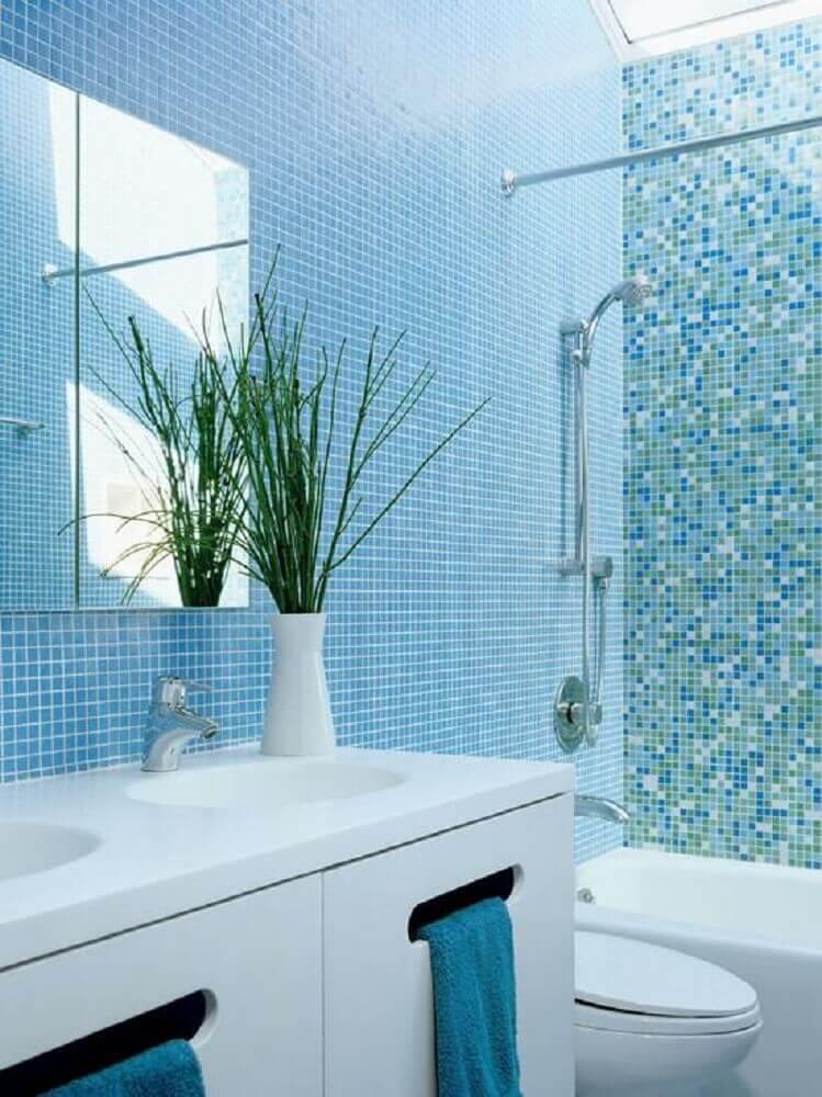 decoração para banheiro com pastilha azul Foto Dekor Öneri