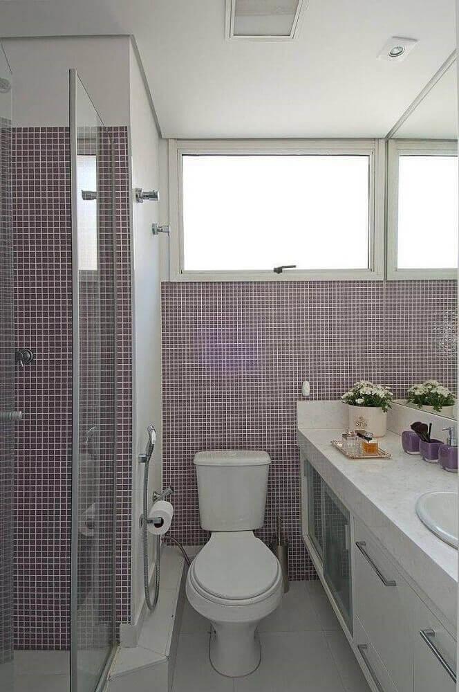 decoração para banheiro pequeno com pastilha lilás Foto Patricia Kolanian Pasquini