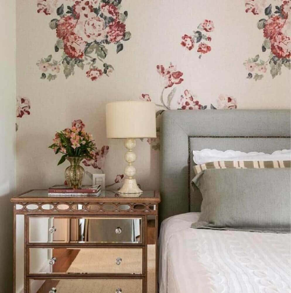 decoração para quarto de casal com papel de parede floral romântico Foto Pinterest