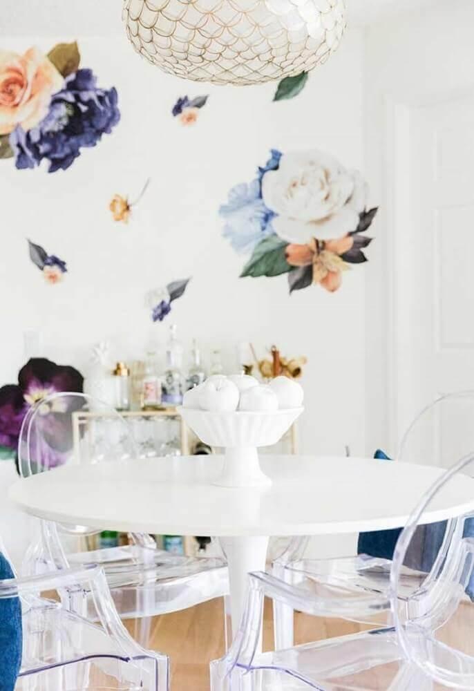 decoração para sala de jantar com papel de parede de flores grandes Foto Firepont