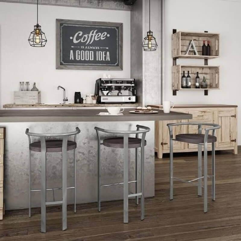 decoração simples com banquetas para cozinha Foto Amisco