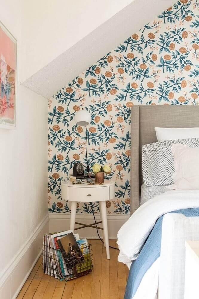 decoração simples com papel de parede floral para quarto Foto Pinterest
