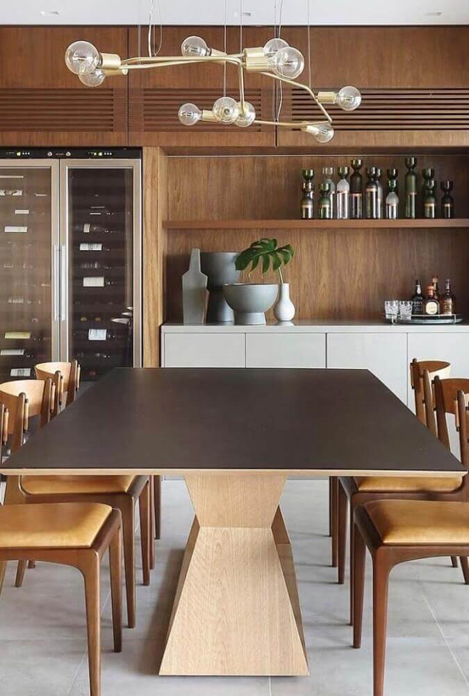 design diferente de pendente para sala de jantar moderna com mesa e cadeira de madeira Foto Pinterest