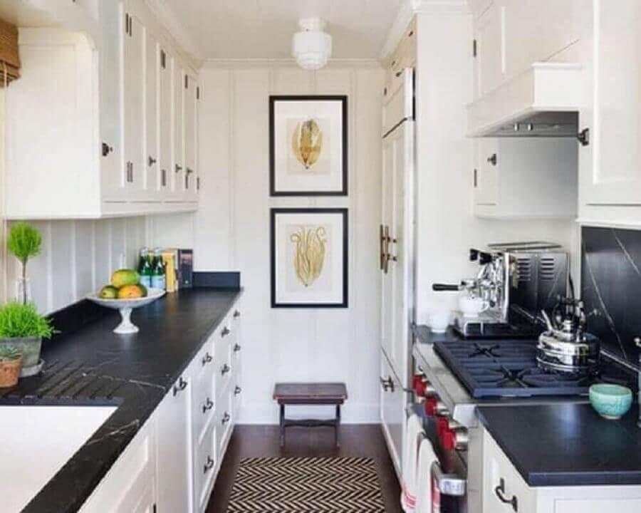 estampa-chanfrada-de-tapete-para-cozinha-planejada-pequena Foto Alinea Designs