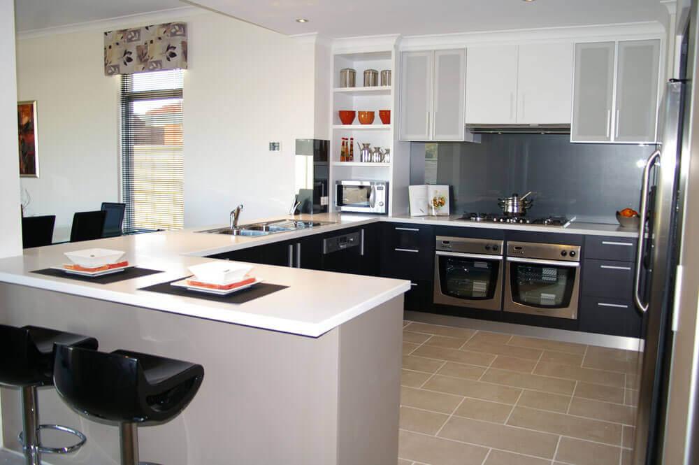 modelo de armário planejado para cozinha americana Foto The Wow Style