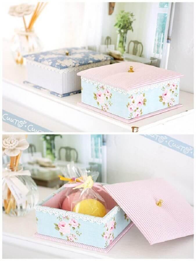 modelo delicado de caixa de MDF decorada com tecido Foto Heart Handmade UK