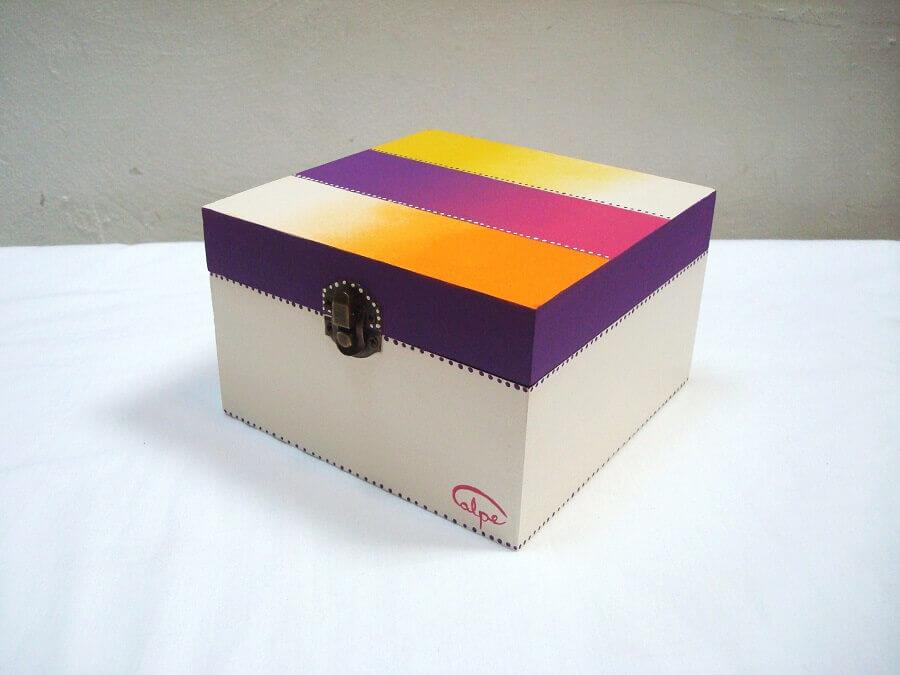 modelo simples de caixa de MDF decorada Foto Pinterest