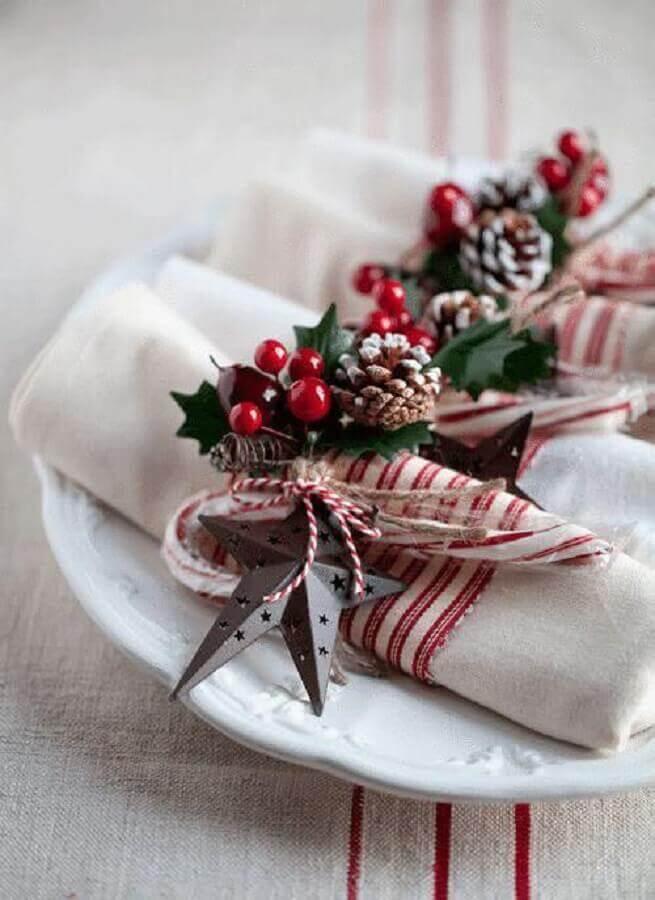 modelos de arranjos de natal para decoração de guardanapos Foto Domoplius.lt