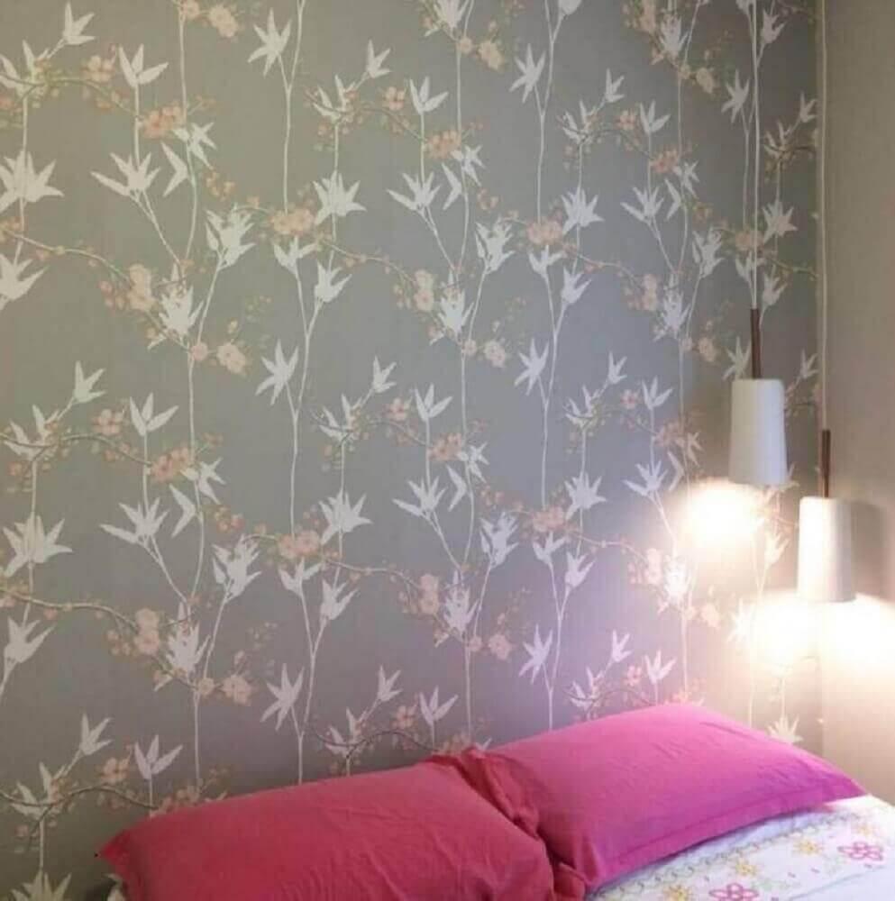 papel de parede floral para quarto com decoração simples Foto Pinterest