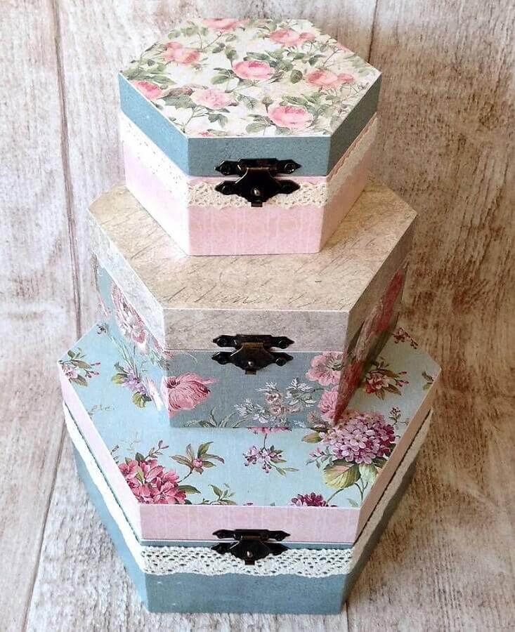 papel vintage para caixa de madeira decorada Foto Sashe