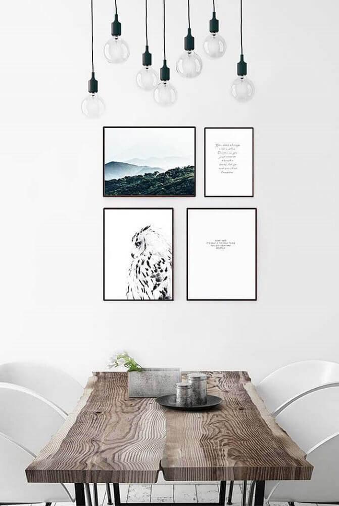 pendentes para sala de jantar moderna com mesa de madeira e cadeiras brancas Foto Pinterest