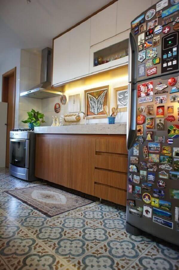 piso hidráulico para cozinha pequena planejada Foto Estúdio Ferdi