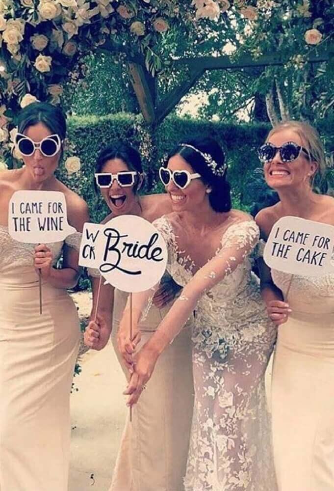 plaquinhas de festa para madrinhas em casamento Foto Wedding Forward